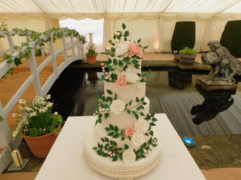 Bluebell Kitchen Kent wedding cake country house wedding-kent