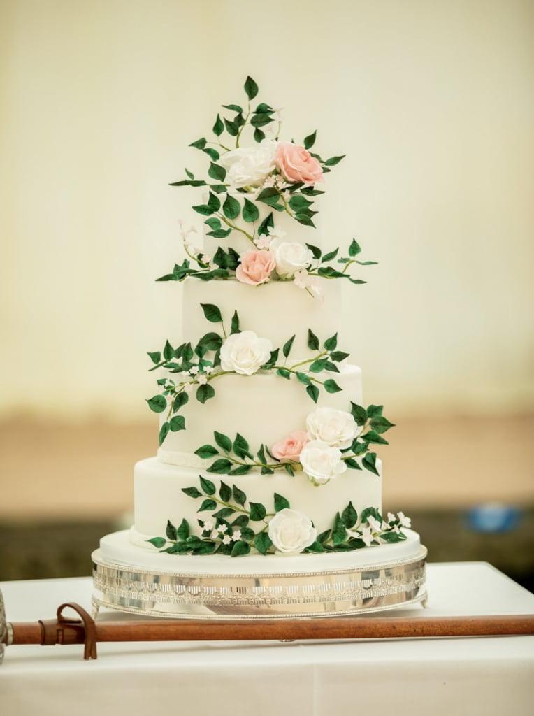 Bluebell-Kitchen-Kent-wedding-cakes-countrhouse-wedding-cake