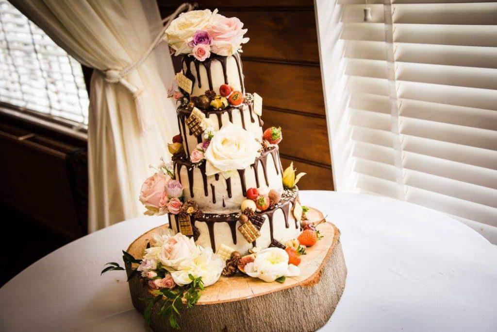 Bluebell-Kitchen-Wedding-Buttercream-Drip-Cake