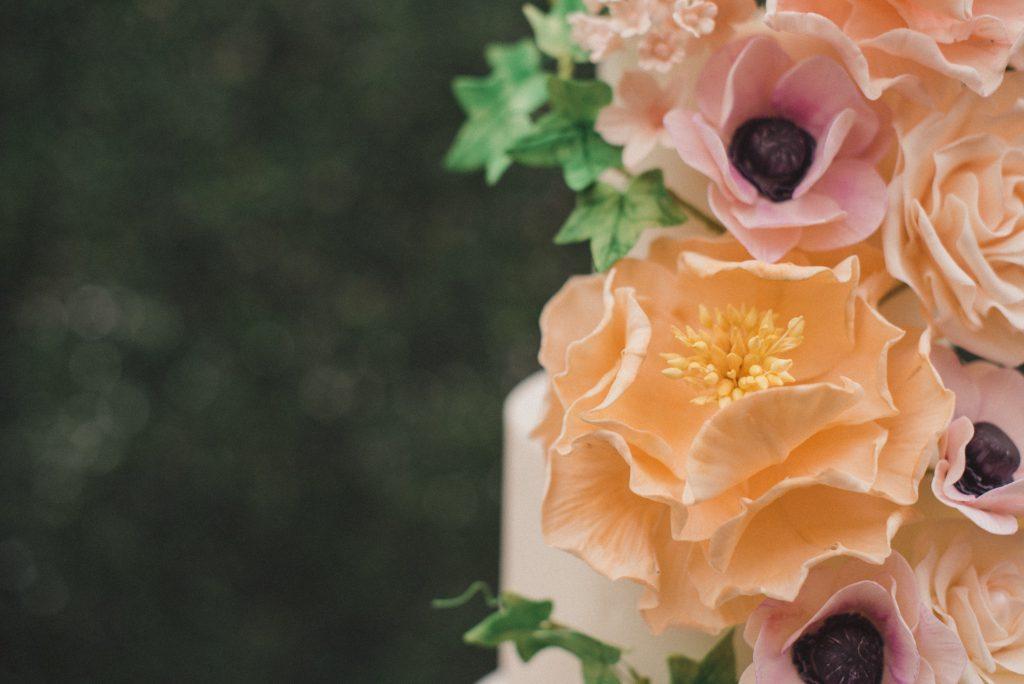 Bluebell Kitchen sugar flowers wedding cake