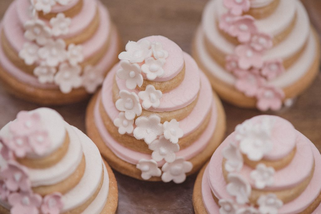 Bluebell Kitchen wedding cookies